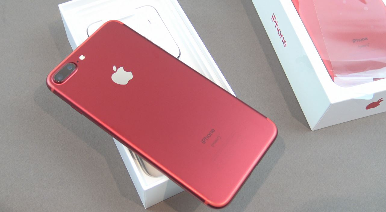 Apple IPhone 7 Plus Product Red Back